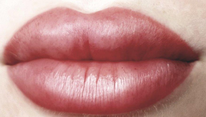 акварельные губы в Курске 12