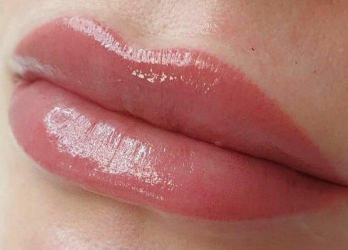 акварельные губы в Курске 22